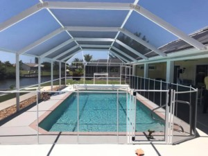 pool fence installer in Sarasota & St. Petersburg, FL